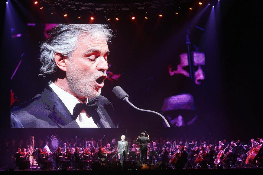 Andrea Bocelli koncerto akimirka