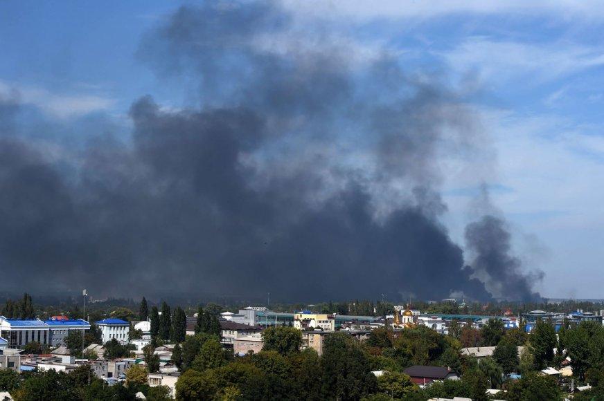 Juodi dūmai virš Donecko