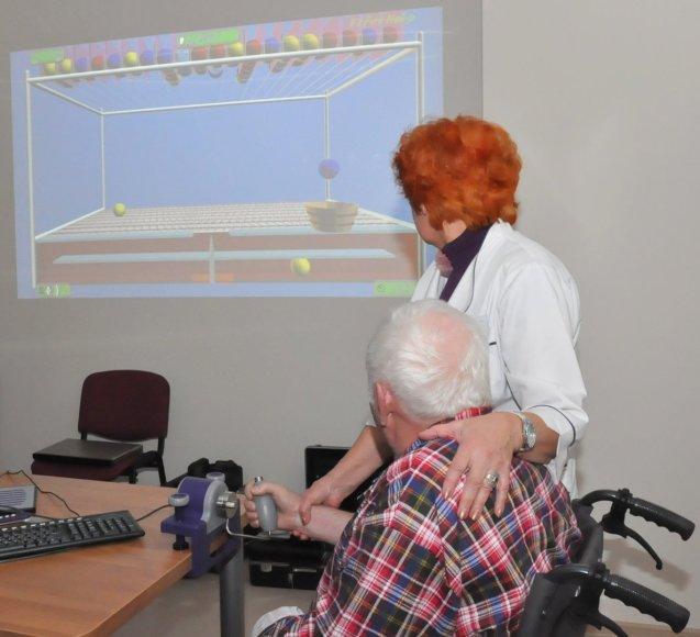 Kauno ligoninės Reabilitacijos klinikos pacientai sveiksta žaisdami kompiuterinius žaidimus