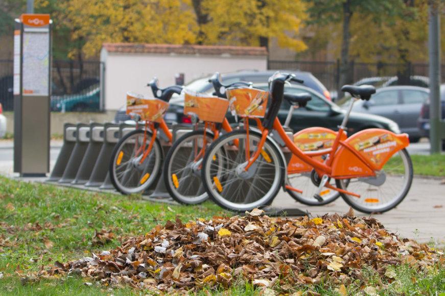 Oranžiniai dviračiai Vilniaus gatvėmis važinės dar kelias dienas