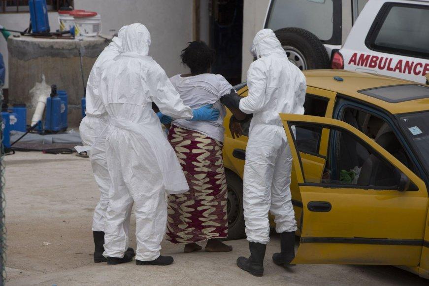 Vedama galimai Ebolos virusu užsikrėtusi moteris