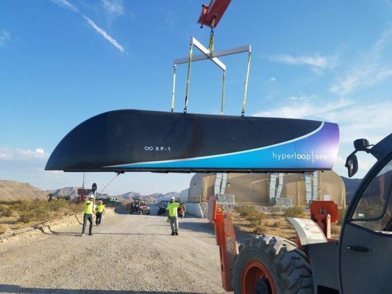 """""""Hyperloop One"""" kapsulė"""