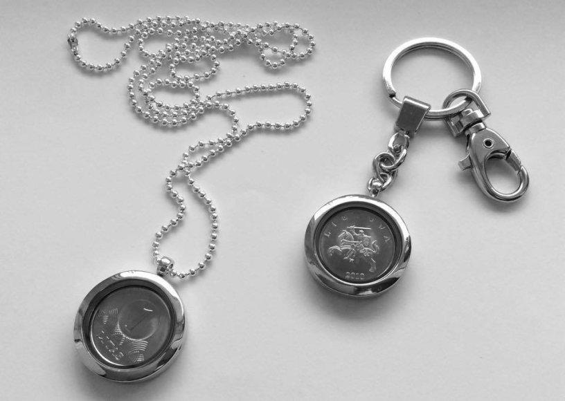 Medalionas ir ranktų pakabukas