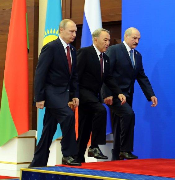 Rusijos prezidentas Vladimiras Putinas, Kazachstano prezidentas Nursultanas Nazarbajevas ir  Baltarusijos prezidentas Aliaksandras Lukašenka