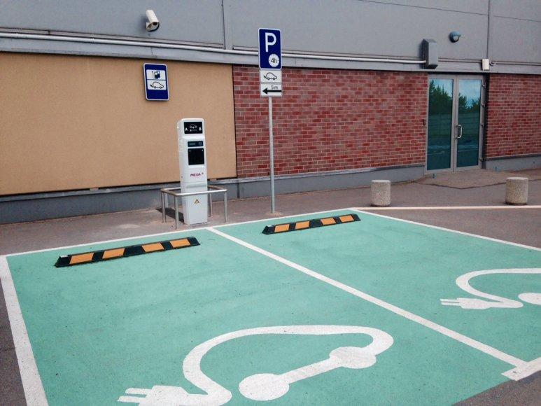 Elektromobilių įkrovimo stotelė