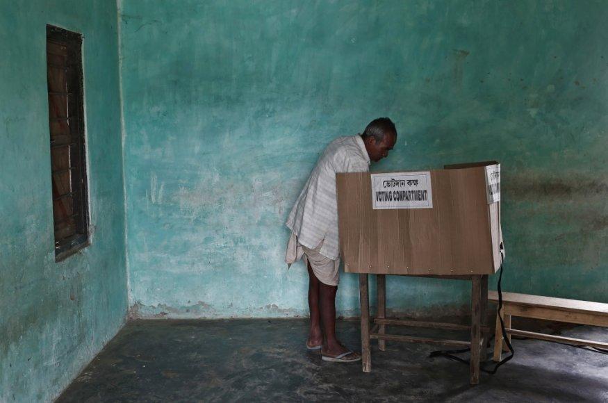 Indijoje vyksta rinkimai
