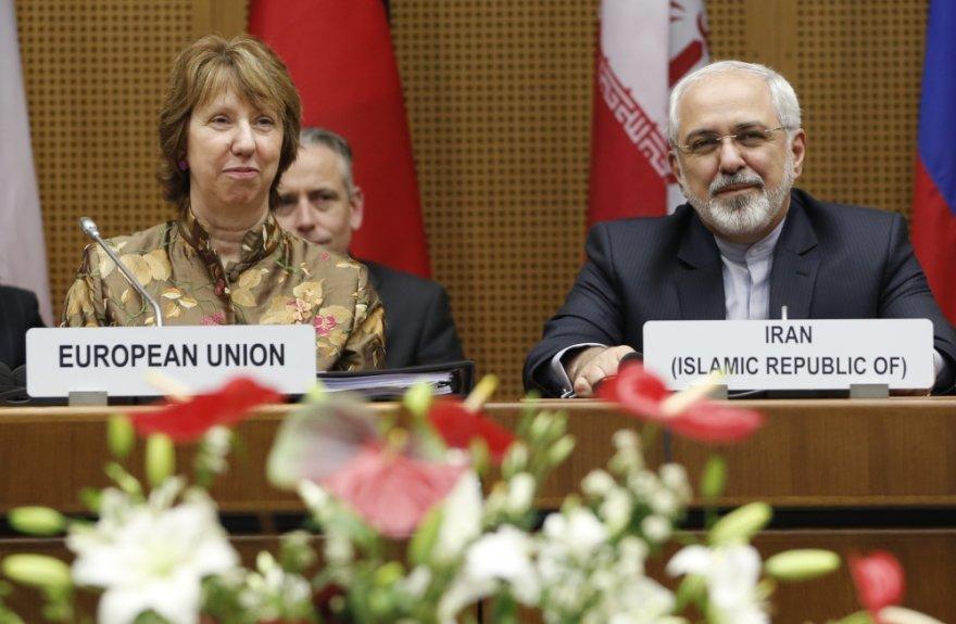 ES užsienio politikos vadovė Catherine Ashton ir Irano užsienio reikalų ministras Mohammadas Javadas Zarifas Vienoje
