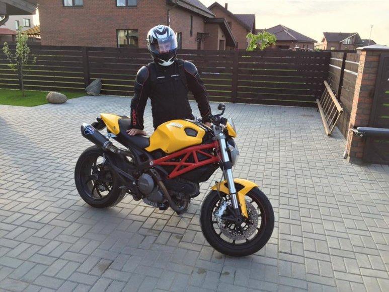 Tikrojo motociklo savininko daryta nuotrauka