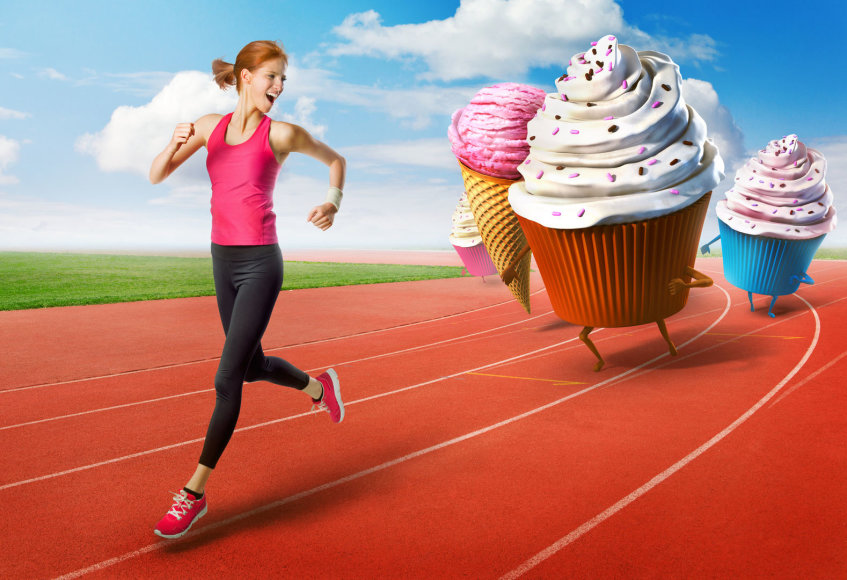 Nuo saldumynų bėganti moteris