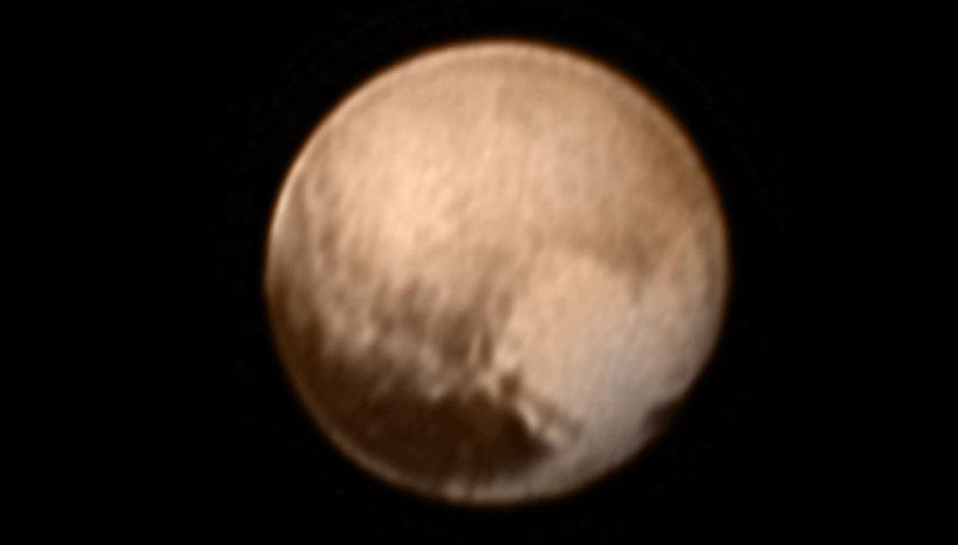 Širdies formos siluetas Plutono paviršiuje