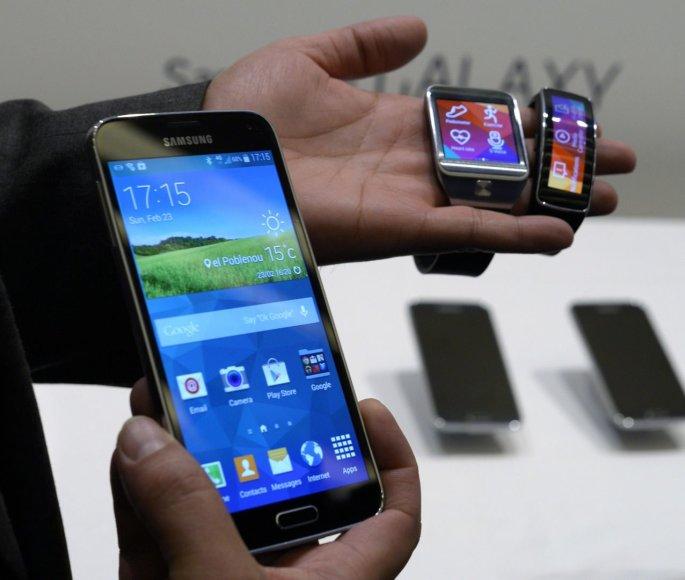 Samsung MWC parodoje pristatė flagmaną S5 ir nešiojamus įrenginius