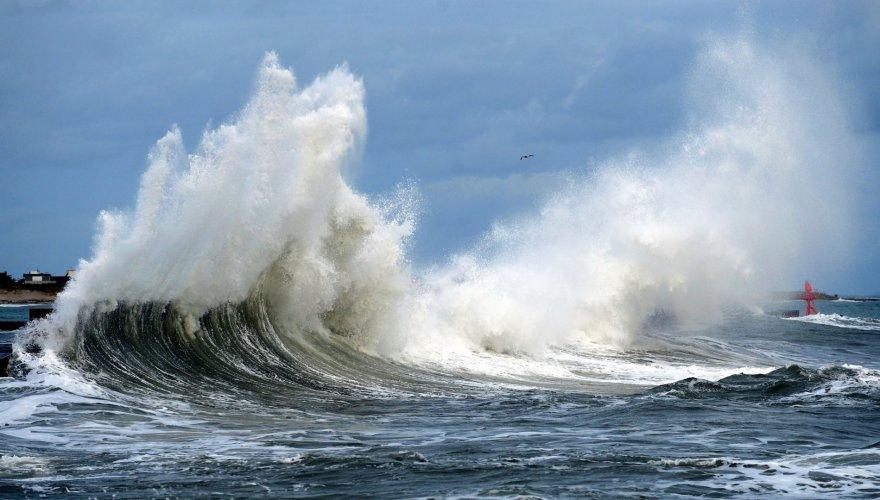 Didžiulės bangos Prancūzijos pietvakariuose