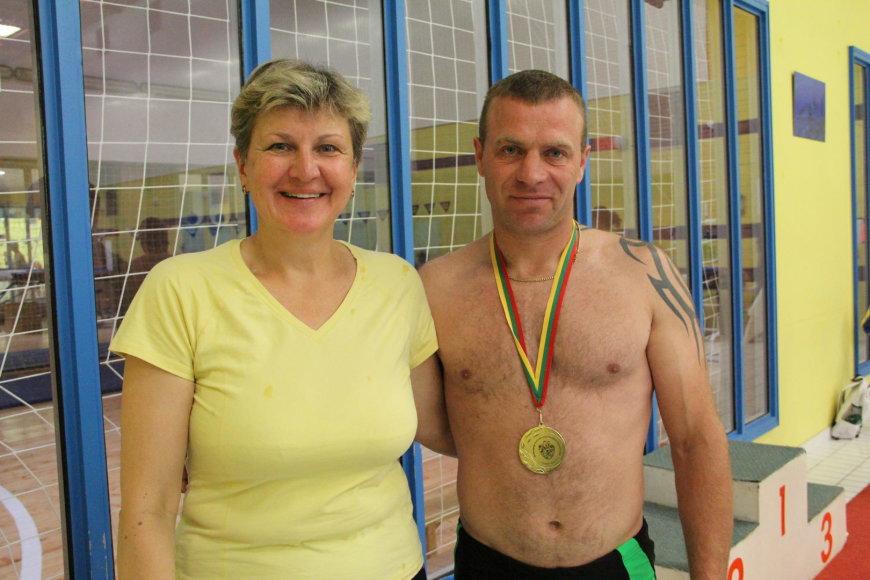 Apdovanojimus žmonėms su transplantuotais organais įteikė žymi Lietuvos plaukikė, olimpinė čempionė ir rekordininkė Lina Kačiušytė.