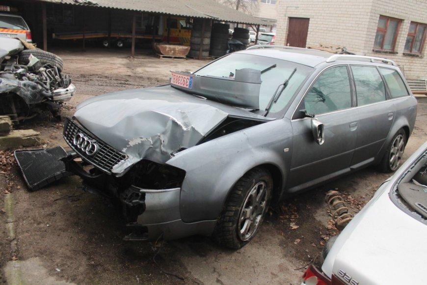 """Audi S6"" po avarijos"