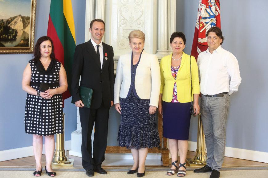 Edgaras Montvidas su artimaisiais ir prezidente Dalia Grybauskaite