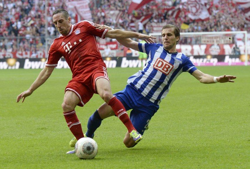 Franckas  Ribery ir Peteris Pekarikas