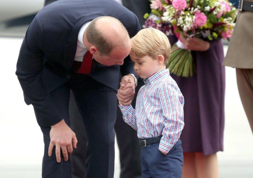 """Scanpix""/""PA Wire""/""Press Association Images"" nuotr./Princas Williamas su sūnumi George'u"