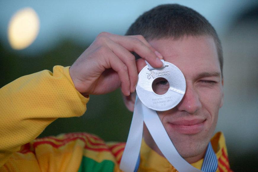 Raivydas Stanys Helsinkyje apdovanotas sidabro medaliu