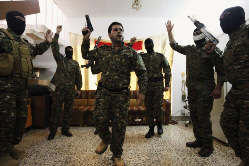 Džiugiai nusiteikę islamistai iš Irako vyksta į Siriją