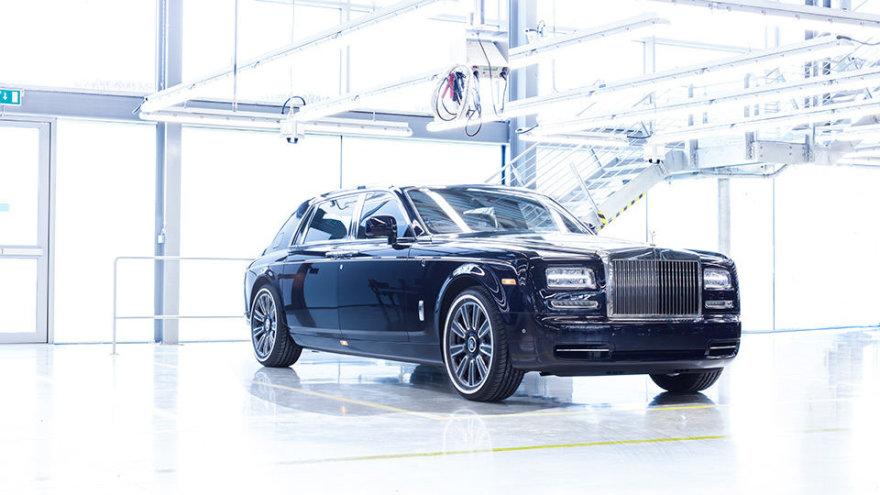 """""""Rolls Royce"""" išleido paskutinį septintos kartos """"Phantom"""""""
