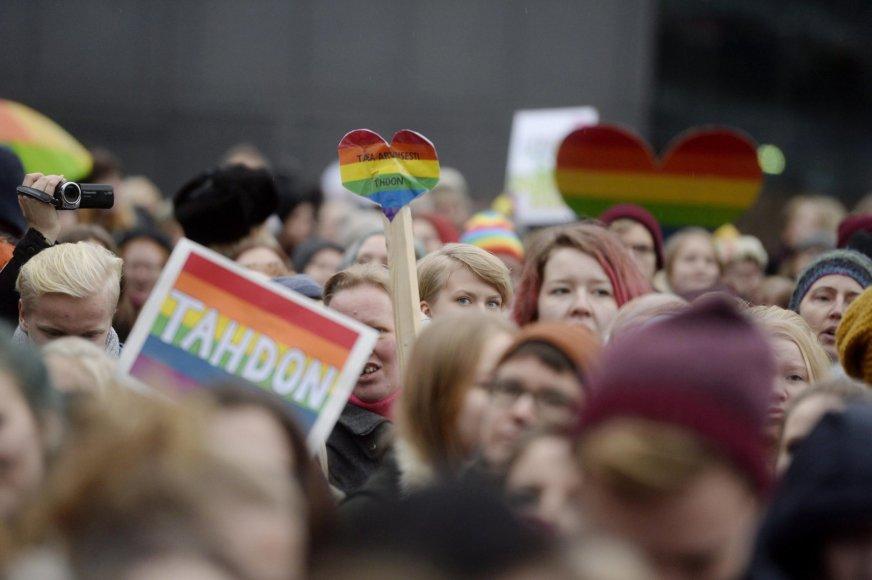 Homoseksualų santuokų rėmėjai Helsinkyje