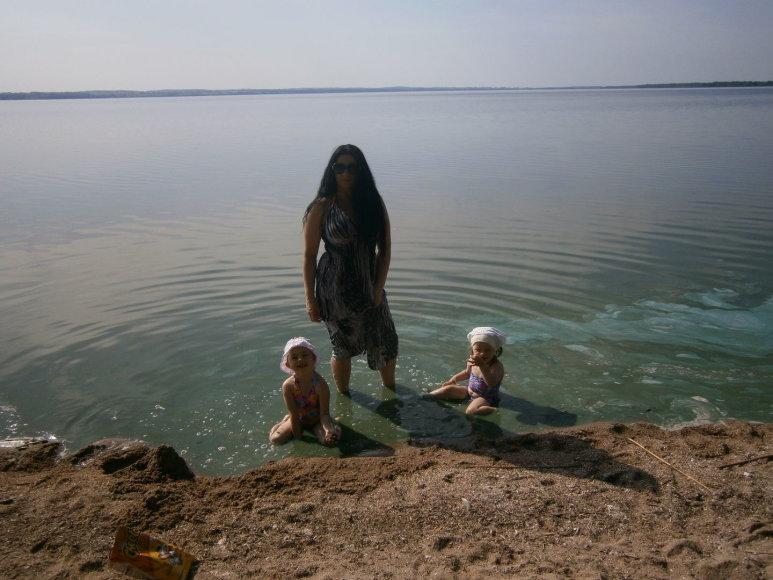 Vilma su dukrelėmis