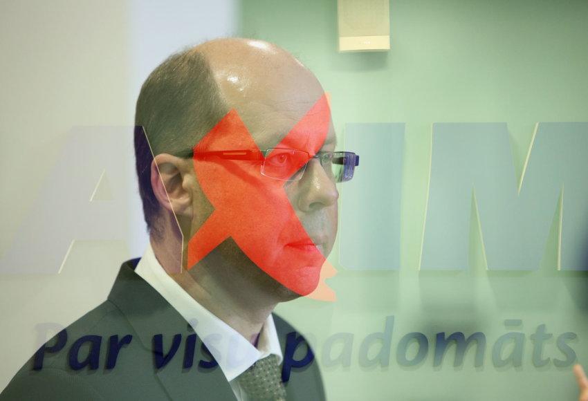 """""""Maxima Latvija"""" vadovo Gintaro Jasinsko spaudos konferencija dėl tragiškai pasibaigusios Rygos parduotuvės """"Maxima"""" griūties."""