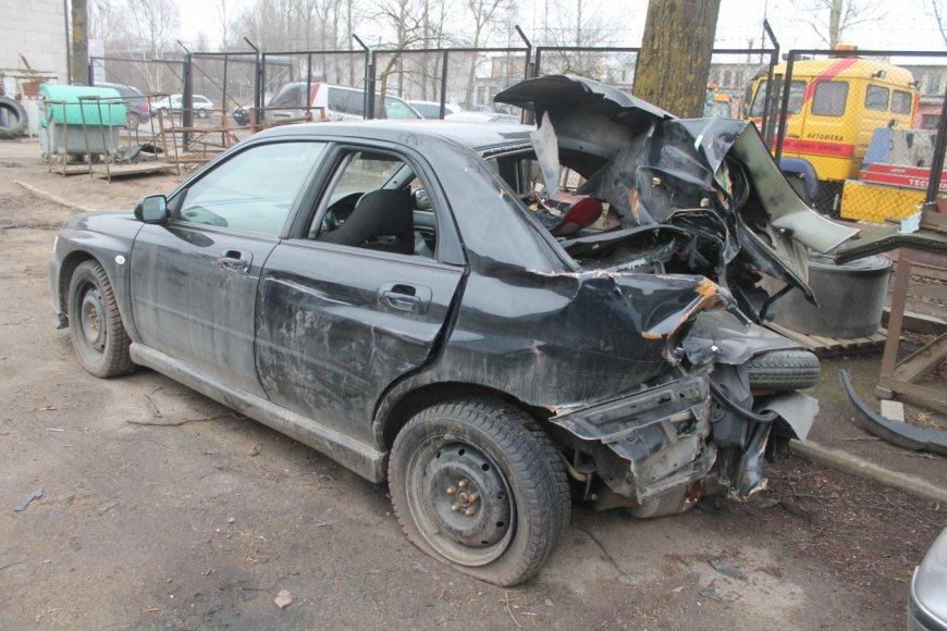 """""""Subaru Impreza"""" po avarijos"""