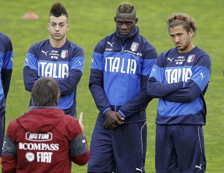 Stephanas El Shaarawy, Mario Balotelli ir Alessio Cersi klauso Antonio Conte nurodymų