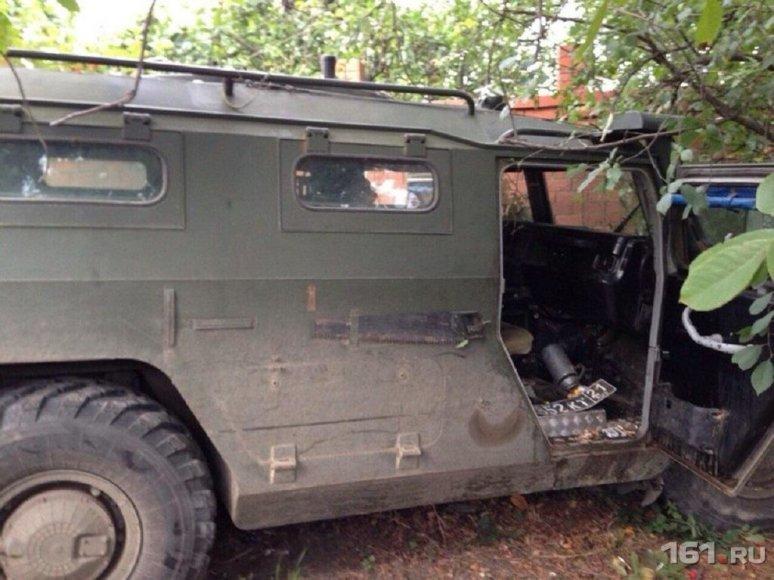 """Rusų kariai su karine mašine """"Tigr"""" siautėjo Rostove prie Dono"""