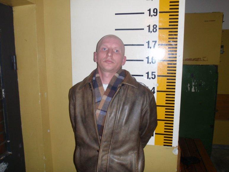 Policijos duomenimis, M.R. įvykdė daugiau vagysčių, todėl nuo jo nukentėjusių prašome kreiptis į miesto šeštąjį policijos komisariatą.