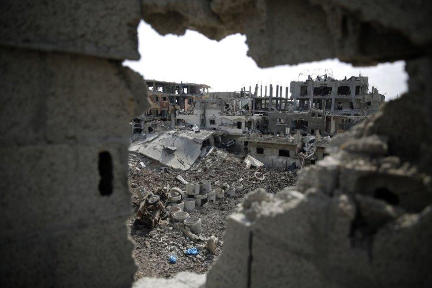 Gazos Ruože sugriuvę pastatai