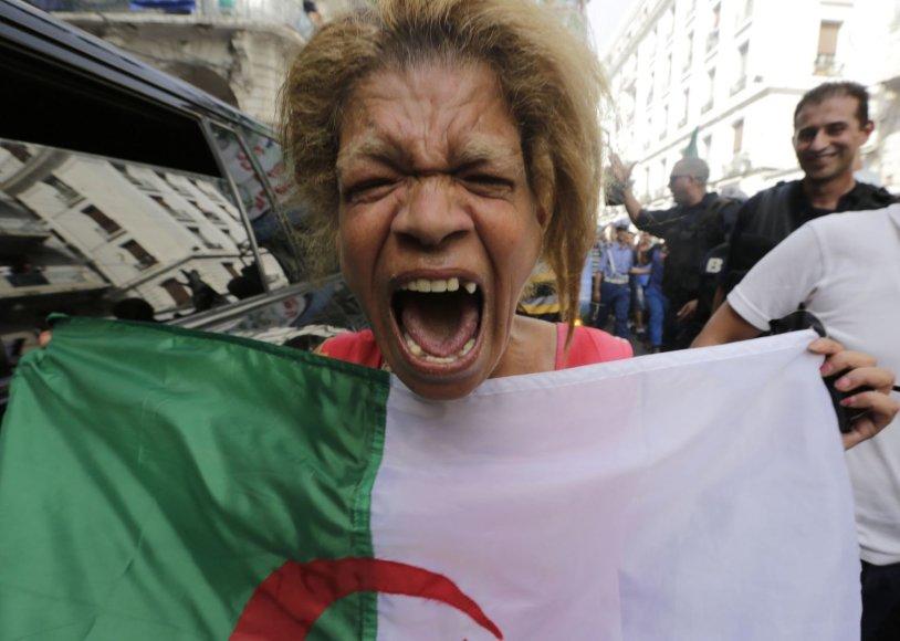 Alžyro futbolo rinktinės sutikimas sugrįžus iš Pasaulio čempionato Brazilijoje