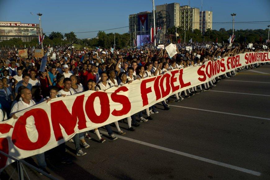 Kuboje kariniu paradu paminėtos revoliucijos metinės