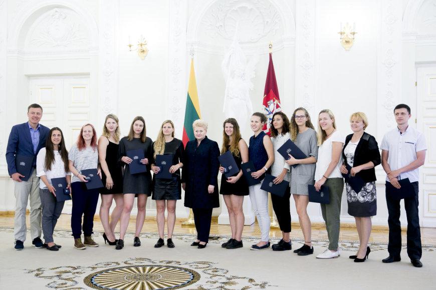 Prezidentė Dalia Grybauskaitė pasveikino Kurčiųjų vasaros olimpinėse žaidynėse medalius iškovojusius sportininkus