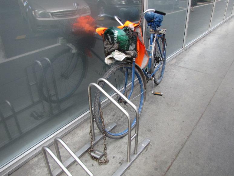 Nuo ilgapirščių dviratininkai ginasi kas kaip išmano.