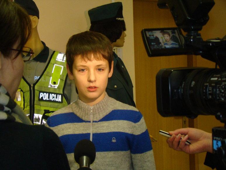 Penktos klasės moksleivio Augusto Petrylos ir jo tėvo pagerbimas Šiaulių policijoje