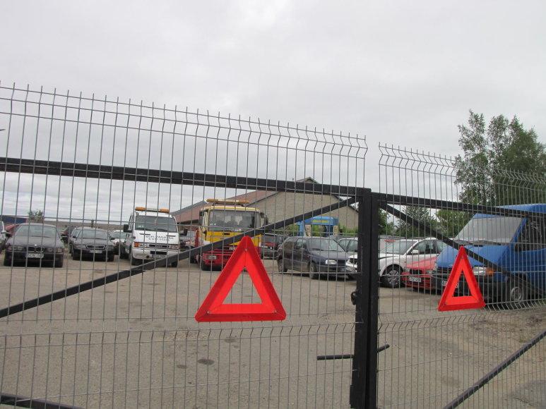 Girto kaip pėdas 58 metų vairuotojo automobilis buvo uždarytas į saugojimo aikštelę. Jį atsiėmė pažeidėjo namiškiai.