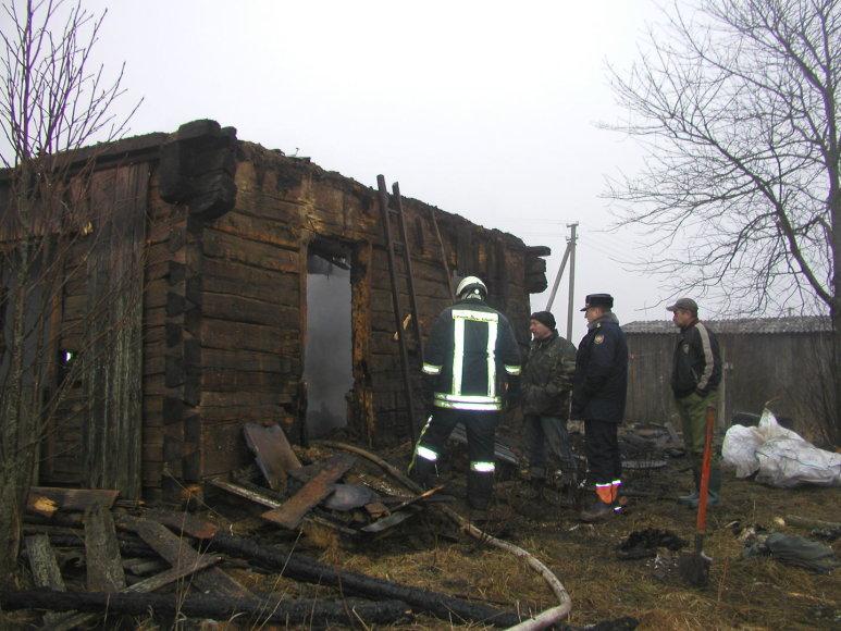 Lazdijų rajono Miškinių kaime vykusios  išgertuvės baigėsi gaisru - sudegė trys žmonės