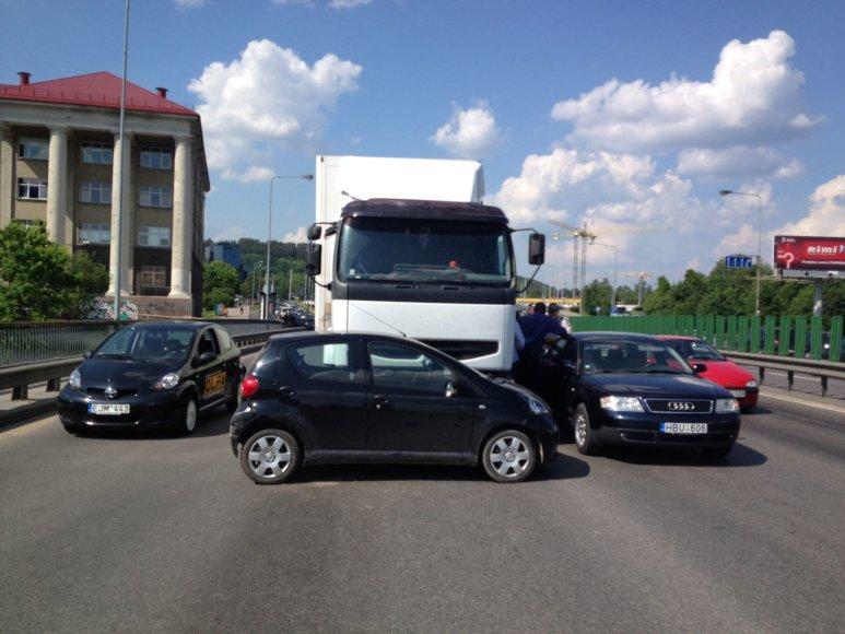 Keturių automobilių avarija Vilniuje
