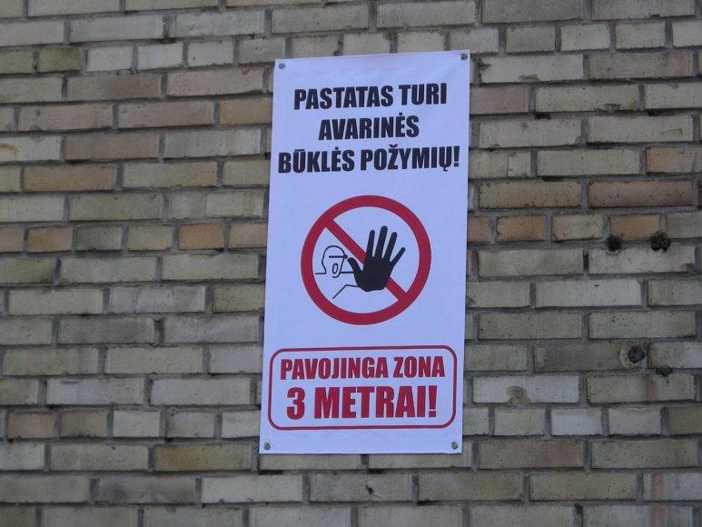 Ant Klaipėdos daugiabučių įspėjimai apie byrančias plytas