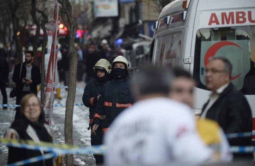 Stambulo centre dėl dujų nuotėkio nugriaudėjo sprogimas daugiabutyje.