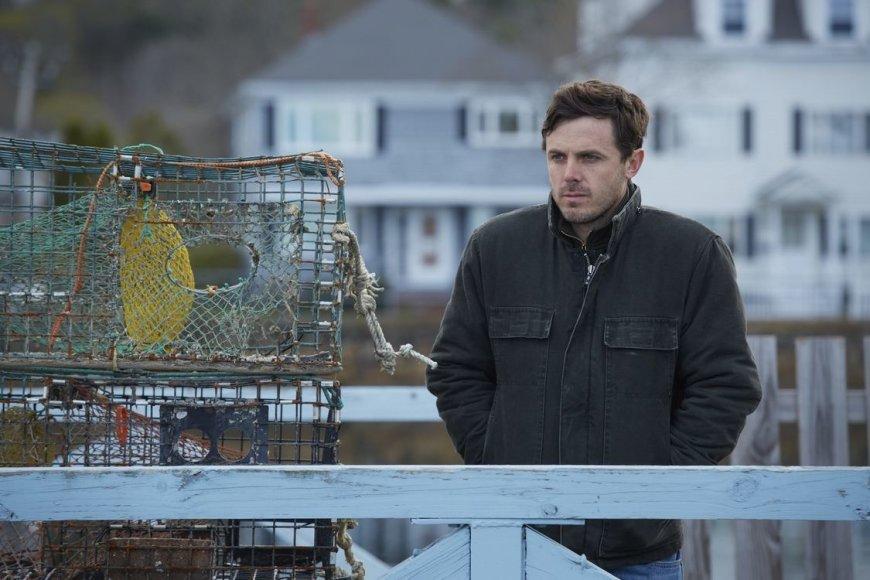 """Kadras iš filmo/Casey Affleckas dramoje """"Mančesteris prie jūros"""""""