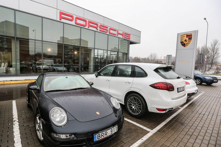 """Porsche"" salonas Vilniuje"
