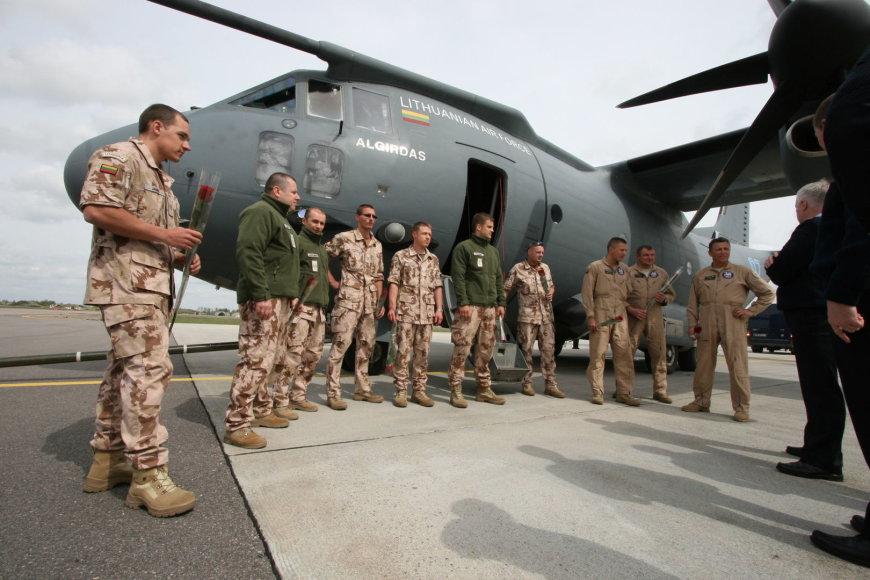Lietuvos kariai grįžo iš misijos Afrikoje