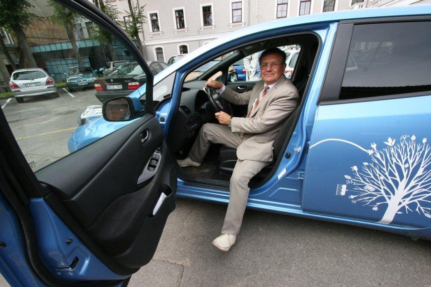 """Elektromobilis """"Nissan Leaf"""""""