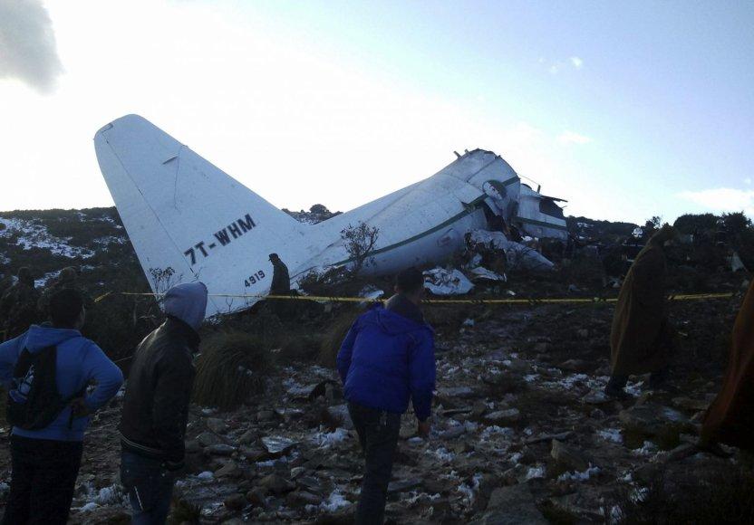 Alžyre sudužo karinis lėktuvas