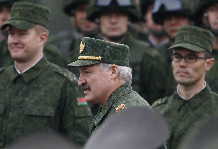 """Aliaksandras Lukašenka stebėjo pratybas """"Zapad 2017"""""""