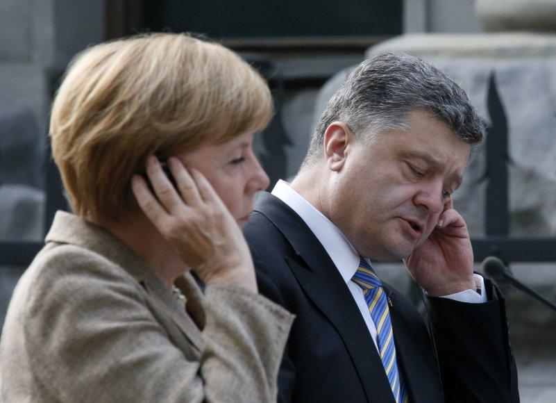 Angela Merkel ir Petro Porošenka Kijeve surengė bendrą spaudos konferenciją