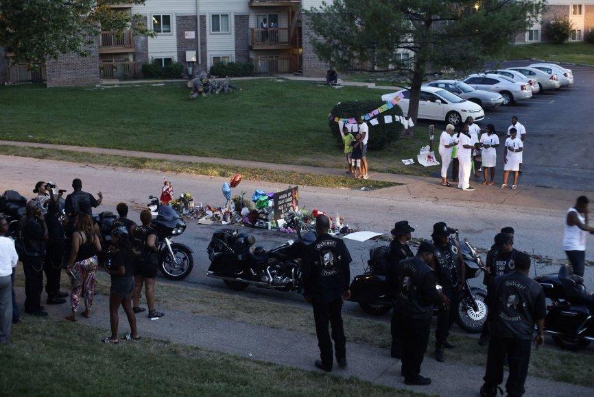 Misūryje pagerbtas nušautas paauglys Michaelas Brownas